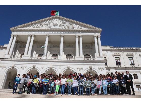Junta de Freguesia de São Salvador proporciona visitas à Assembleia da República aos alunos do 4º ano